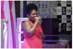 Elly Nascimento canta 'Mulher'